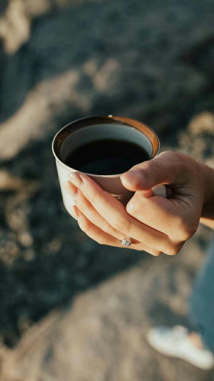 كلما زاد تعلقك بشخص كلما تطبعت بأطباعة واكتسبت من صفاته وقد تحب مايحب وتكره مايكرهه وهي اقصى مراحل الحب وتسمى مرحلة الهيا Mugs Living Room Essentials Coffee