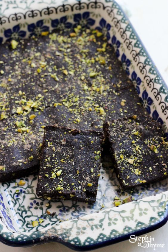 Raw Pistachio and Cardamom Vegan Gluten-Free Brownies. You'll never guess the main ingredient (Hint: It's NOT Beans!) #glutenfree #brownies