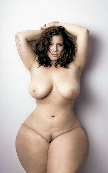 Nude girls sexy hips — photo 10
