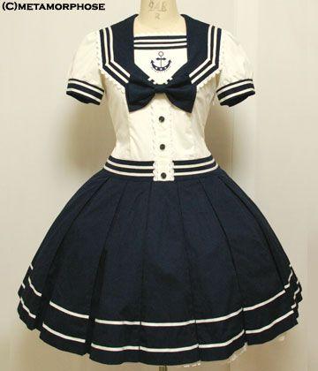 Beautiful Sailor dress! Oh I would love to have a dress like this!!! Looks like a manga dress. :D
