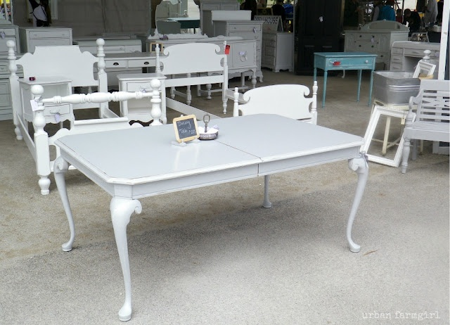 gray frenchy table.: Paintings Furniture, Redecor Inspiration, Frenchi Tables, Urban Farmgirl, Gray Frenchi, Diy Projects