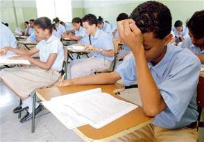 Casi 8,000 estudiantes repetirán octavo grado - Cachicha.com