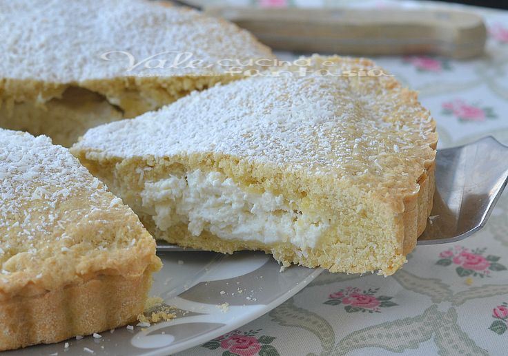 Crostata morbida con crema al cocco, un dolce buonissimo , fresco e goloso, ricco di tanta crema al cocco e pasta frolla friabile
