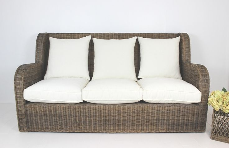 Our VR Sofa Bommel 3 Seat is a great retreat/beach style Sofa suitable for a beach house/holiday home or a covered patio.