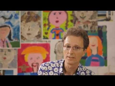 Mark Mieras (wetenschapsjournalist) legt in dit filmpje uit waarom kunsteducatie broodnodig is voor het kinderbrein. Kunst is een essentieel spel om te overleven, en daarom is het belangrijk dat scholen kunstonderwijs serieus nemen.