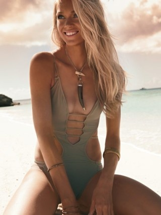 Want this bathingsuit!!