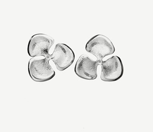 Lumoava Kukinto Earrings by Eelis Aleksi