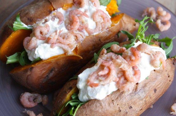 Gepofte zoete aardappel met Hollandse garnalen | Francesca Kookt!