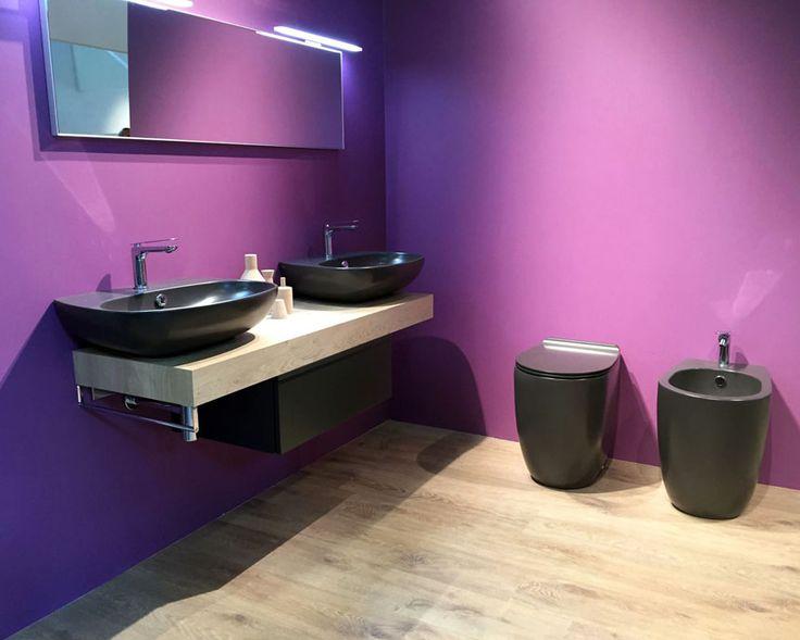 Anthracite bathroom suite
