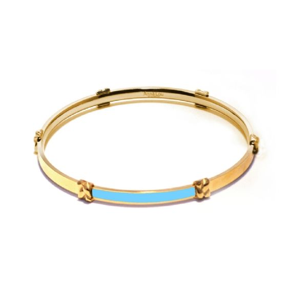 Elegant and on trend, these sophisticated knotted enamel bracelets look great on their own or stacked up together. Delicate 18kt gold plated stainless steel bangle with a range of coloured enamel accents. Why not start your collection today or mix and match them with our enamel bracelets for a eclectic look. Inside measurement is 6.5cm and width is 5mm.