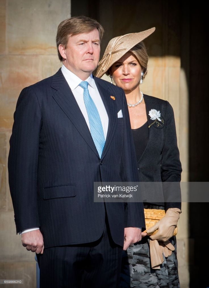 - King Willem-Alexander and Queen Maxima of The Netherlands welcome President Mauricio Macri during an official welcome ceremony at the Royal Palace on March 27, 2017 in Amsterdam, The Netherlands. The President of Argentina is in The Netherlands for an two day state visit to The Netherlands.