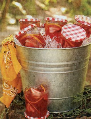 Drinks served in jelly jars- my grandma did this all her life- never would have thought it would become a cool idea later