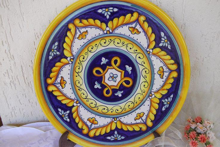 Piatto di #ceramica dipinto a mano 30cm #Italy #Deruta http://ceramicamia.blogspot.it/p/piatti.html
