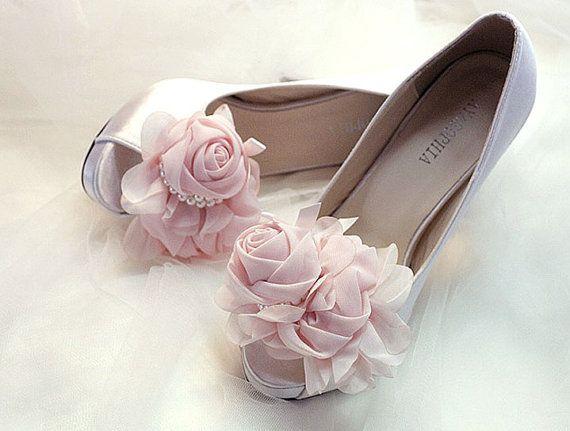 Bridal shoe clips,Chiffon corsage,flower shoe clips, Special shoe clips,Wedding shoes, Handmade shoe clips