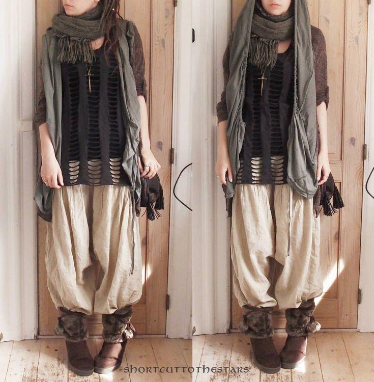 https://i.pinimg.com/736x/63/9e/a7/639ea7383f1402c3e26d45ad0b427716--mori-style-clothes-horse.jpg