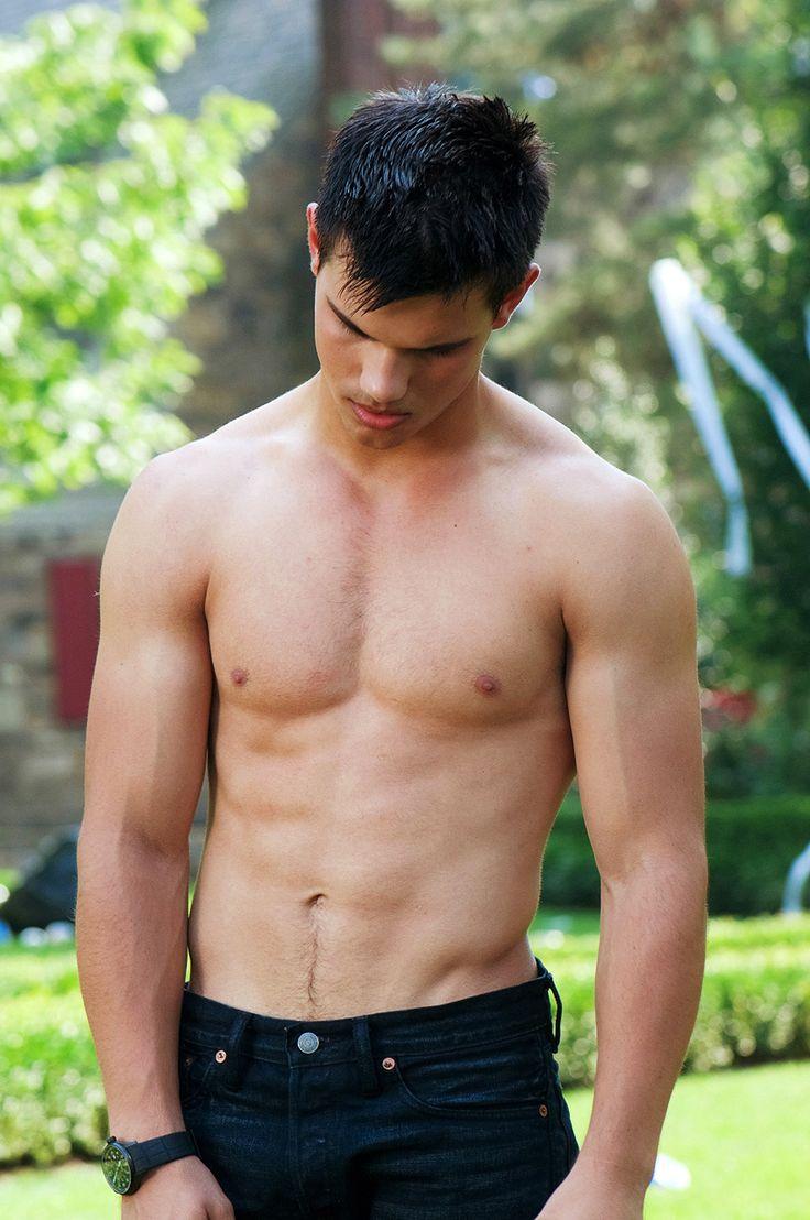 Lautner en la lista de chicos hot sin camiseta de yahoo movies what do you think of this guys