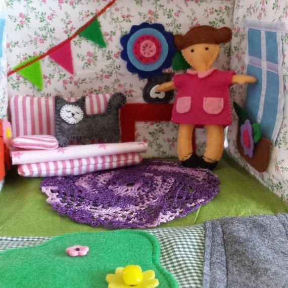 Travel dollhouse Dollhouse Fabric dollhouse Custom made #dollhouse #fabricdollhouse #feltdoll