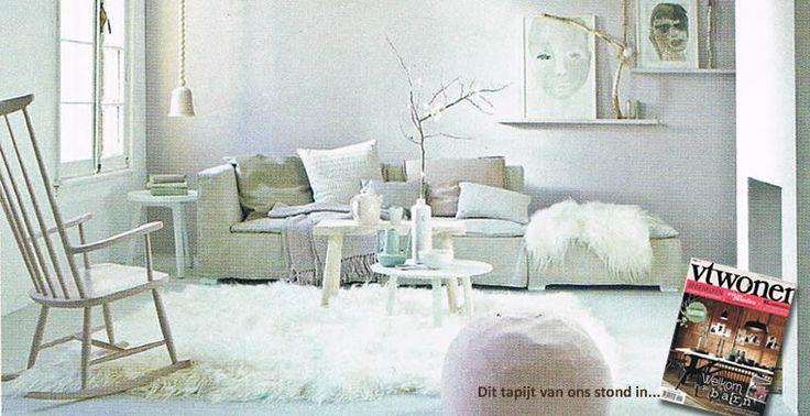 Hoogpolig tapijt van witte IJslandse schapenvacht
