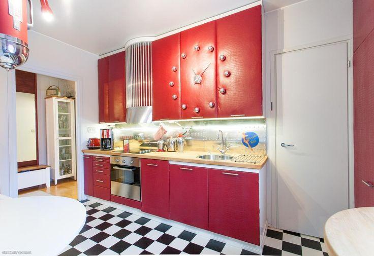 Red kitchen / Punainen keittiö #keittiö #oikotieasunnot