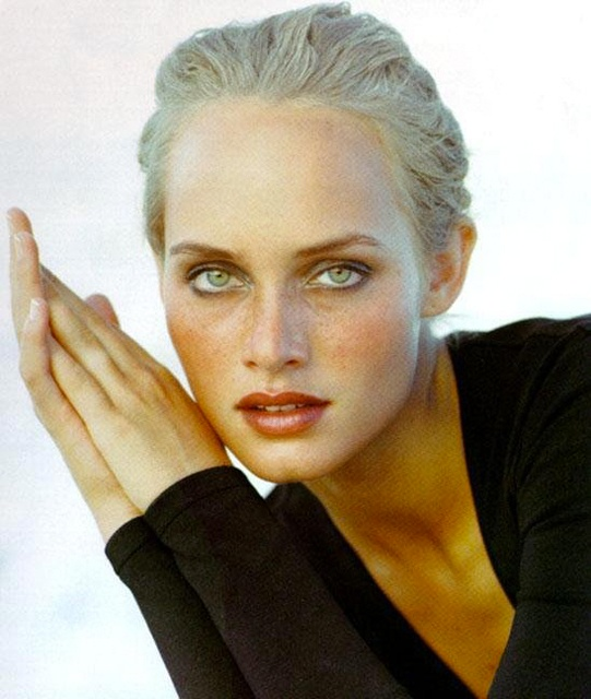 Amber Valletta - #Vmarlborough model scout