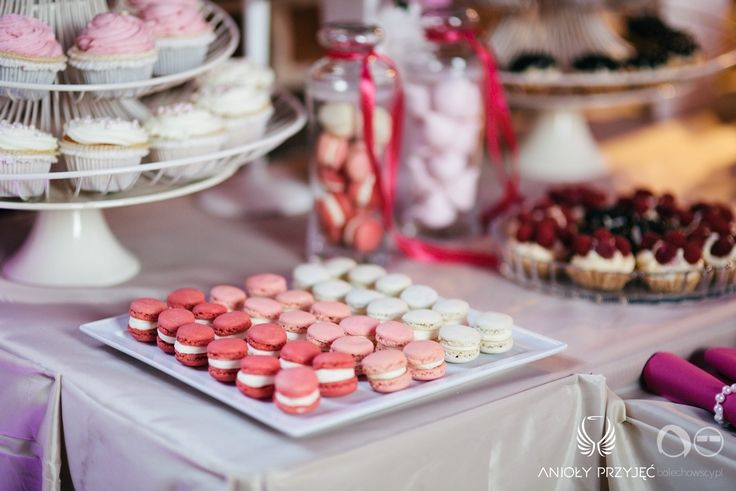24. Fuchsia Wedding,Sweets,Sweet table decor / Wesele fuksjowe,Słodkości,Dekoracja słodkiego stołu,Anioły Przyjęć