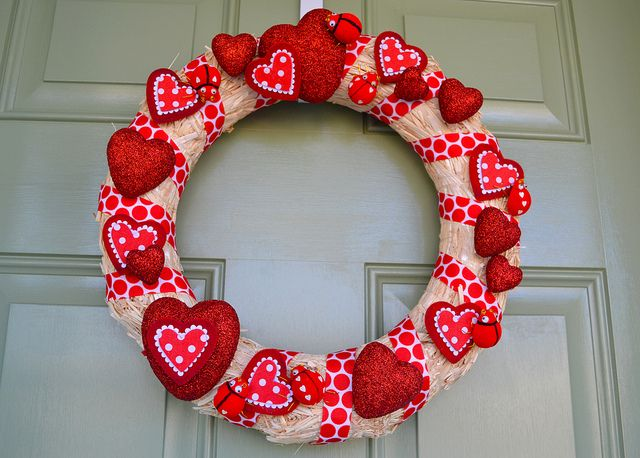 5 Cute Valentineu0027s Day Decorations That Will Warm Your Home