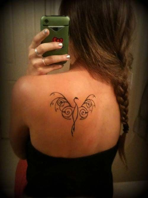 woman back phoenix tattoo kadın omuz anka kuşu dövmesi