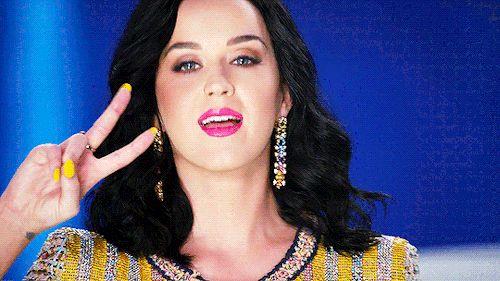 Katy Perry: DEIXE O NA LUZ