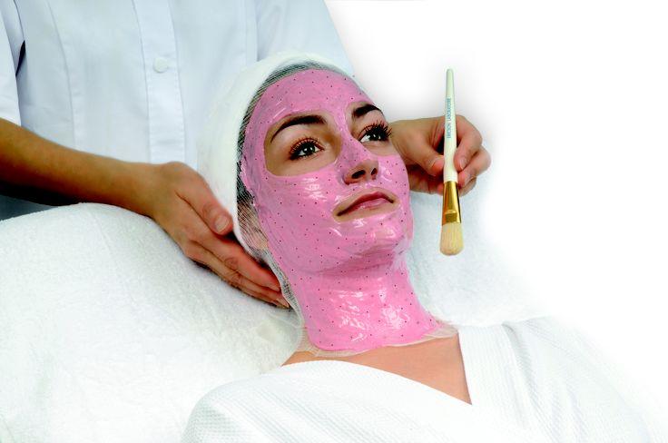 Model Masker Feminity