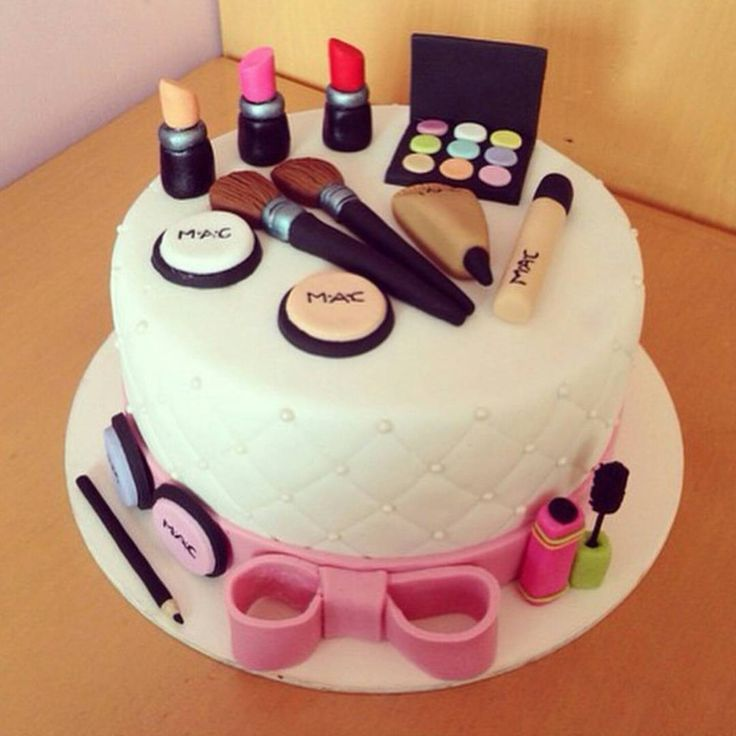 Best 25 Makeup birthday cakes ideas on Pinterest Makeup cakes