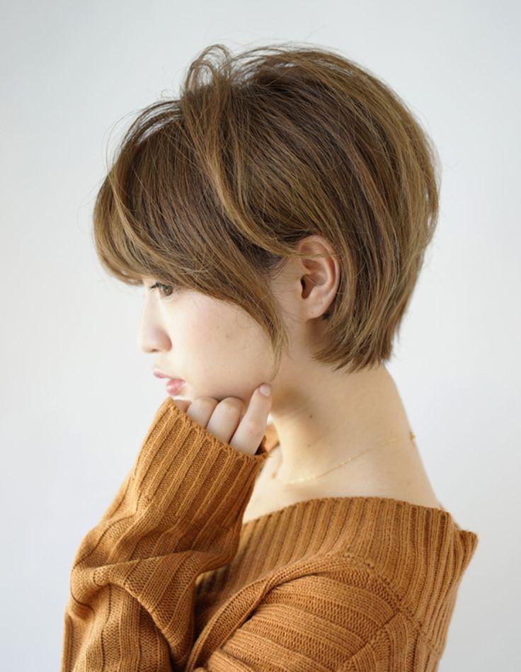 この画像は「冬を可愛く着こなせ♡ショートボブ×タートルネックのヘアスタイル図鑑」のまとめの15枚目の画像です。