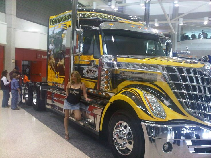 Tricked Out Semi Trucks | Mid America Trucking Show ...