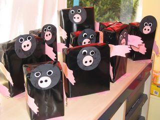 Knutselidee mol van doosje waar je een drol op kunt leggen Over een kleine mol (via kleutergroep.nl)