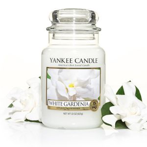 Yankee Candle White Gardenia is just so captivating! The stunning royal beauty of lush white gardenias in full bloom make the perfect Valentines Gift for a loved one! http://www.yankee.co.uk/
