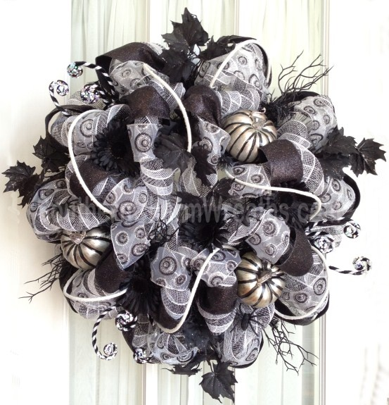 Deco Mesh Sophisticated Halloween Wreath Black White