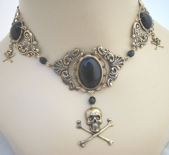 Pirate wench jolly roger skull choker necklace for costume - Grainne - Black and goldplate Wish I had this!