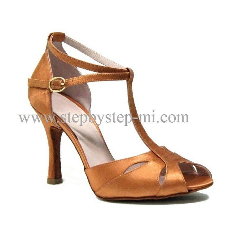 sandalo semiaperto in raso bronzo, suola in bufalo, tacco 90  #stepbystep #ballo #salsa #tango #kizomba #bachata #scarpedaballo #danceshoes #cute #design #fashion #shopping #shoppingonline #glamour #glam #picoftheday #shoe #style #instagood #instashoes #sandals #sandali #strass #rhinestone #instaheels #stepbystepshoes #cute #salsaon2 #raso #satin