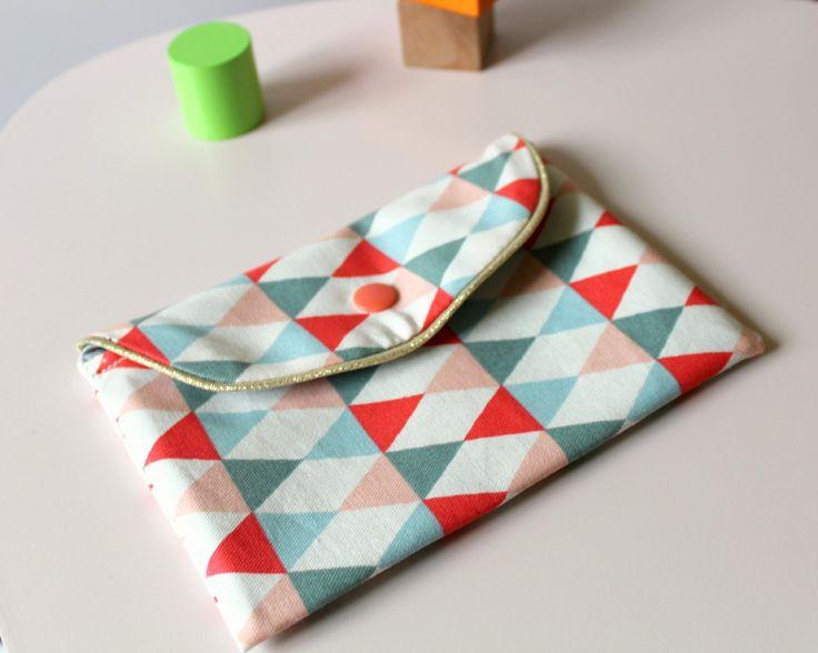 Mini-pochette à bijoux ou trousse à maquillage en tissu graphique triangles multicolores : Trousses par lunitesieste