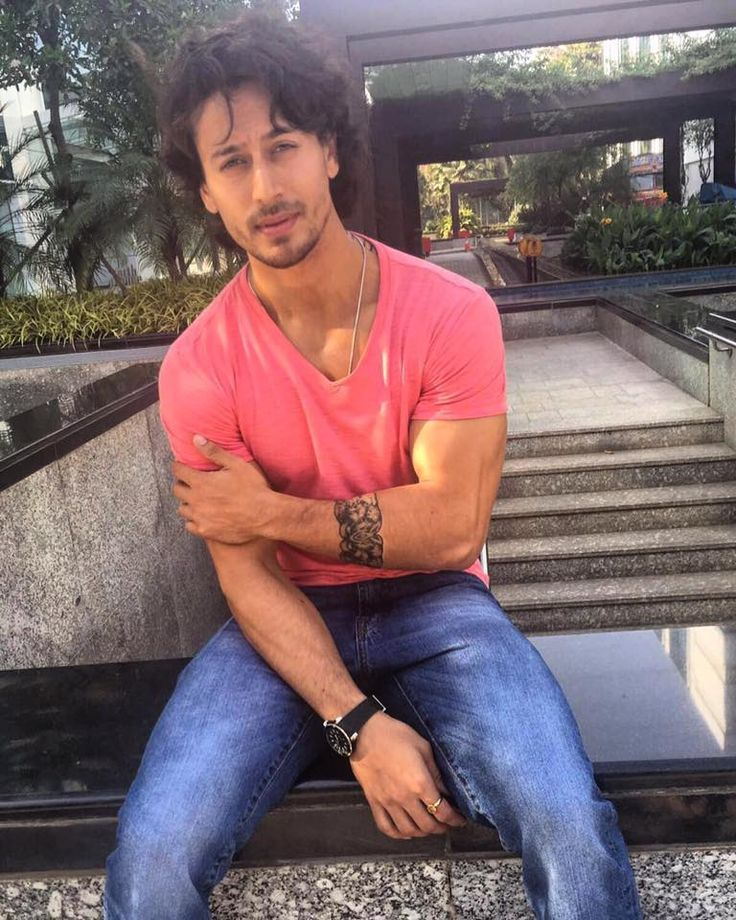 96 best tiger shroff images on pinterest big cats for Tiger shroff tattoo