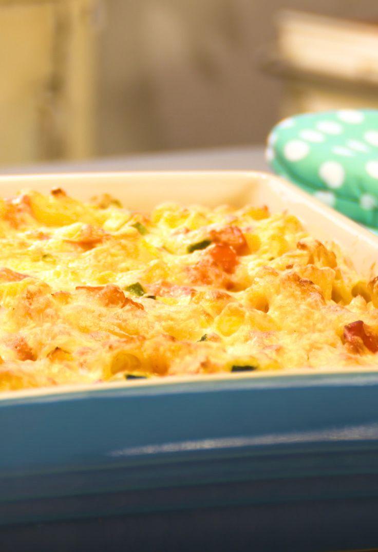 Vegetarischer Nudelauflauf mit Kürbis, Paprika und Zucchini