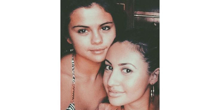 "Selena Gomez's friend has one less kidney — and a huge heart. The ""Hands to Myself"" singer, 25, revealed on Instagram Thursday that she recently stepped out of the spotlight after having a kidney transplant, made necessary by her battle with lupus. She also shared that the donor was a... - #BFF, #Donor, #Gomezs, #Kidney, #Meet, #News, #Selena"