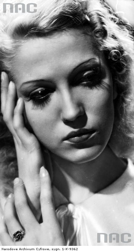 Tamara Wiszniewska, aktorka. Fotografia portretowa.