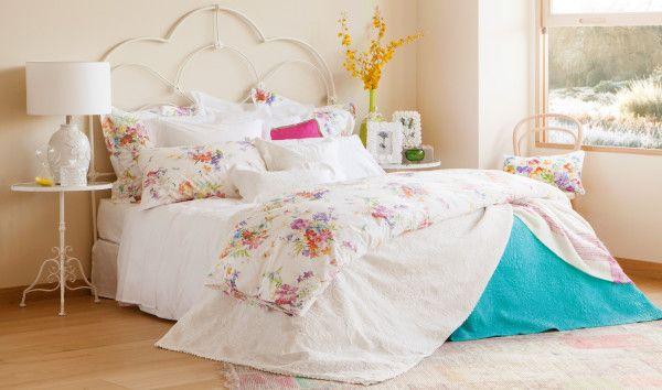Redecora tu dormitorio añadiendo un toque primaveral a tu cama. #zara #zarahome #bed #bedstyle #bedecor #bedecoration #housewares #bedroom #bedroomdecoration #decoraciondelhogar #decoraciondormitorio #decoracion #decoracionflores #elrincondemoda #erdm