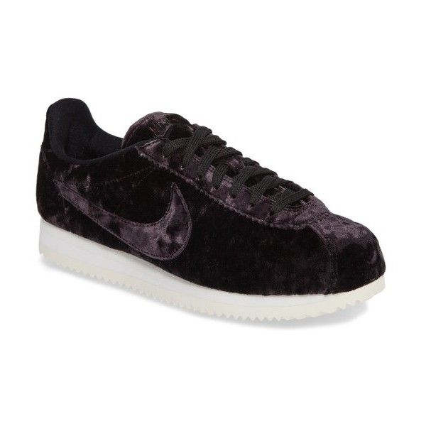 Women's Nike Cortez Classic Lx Sneaker (1,680 MXN) ❤ liked on Polyvore featuring shoes, sneakers, nike sneakers, herringbone shoes, flexible shoes, low top and velvet sneakers