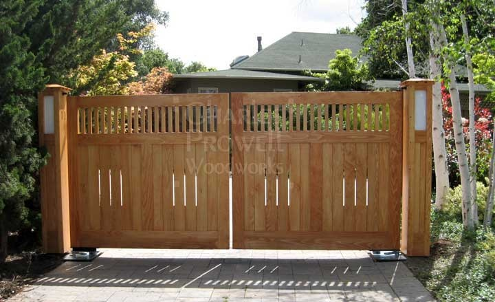 59 best images about craftsman fence ideas on pinterest for Wooden driveway gates designs