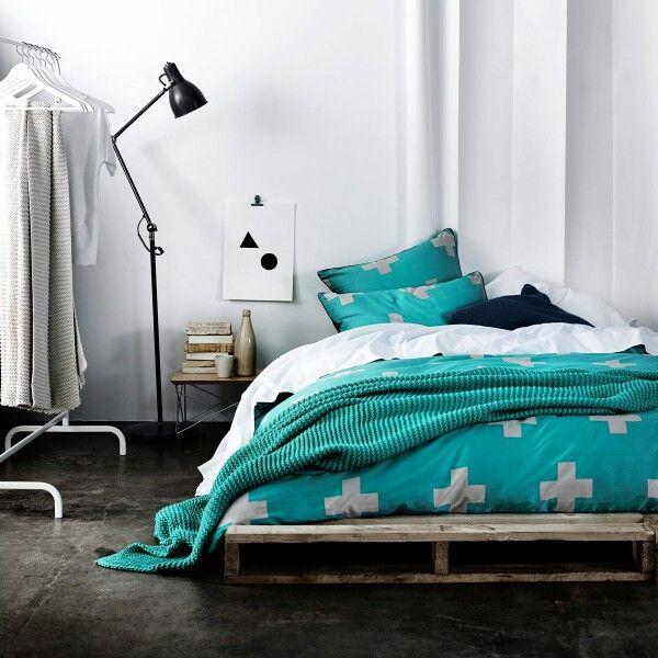 Aura home   Crosses bed linen
