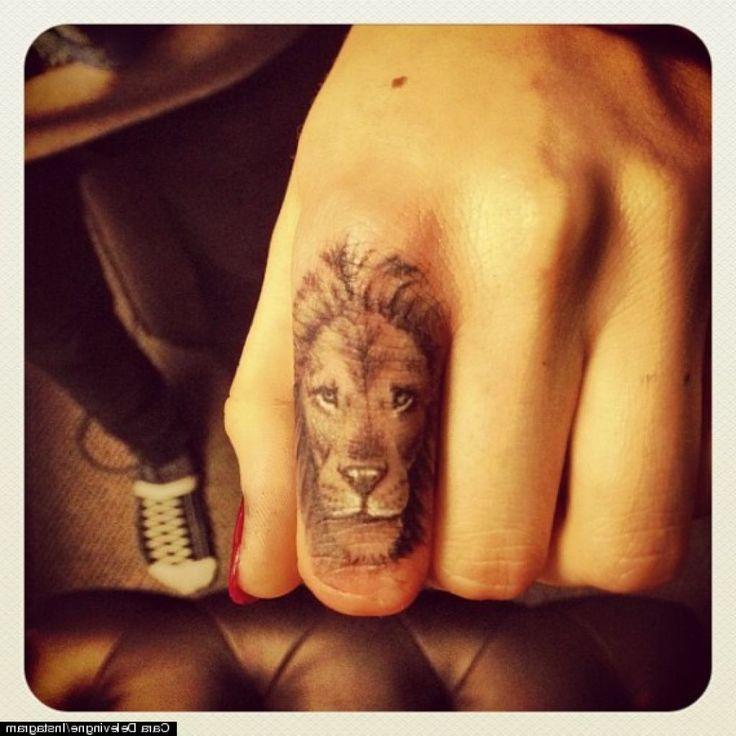 татуировки на руке пальцах лев женская: 22 тыс изображений найдено в Яндекс.Картинках