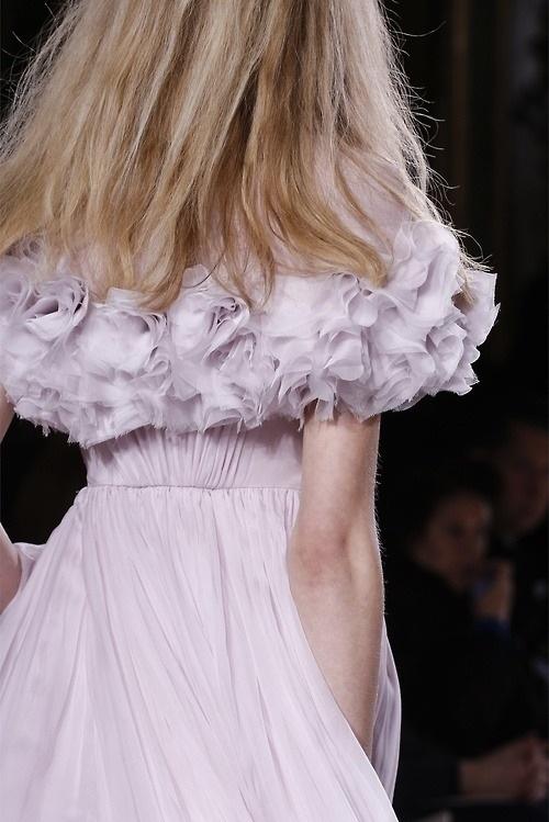 559 best oh soo gorg images on pinterest bridal dresses for Giambattista valli wedding dress price