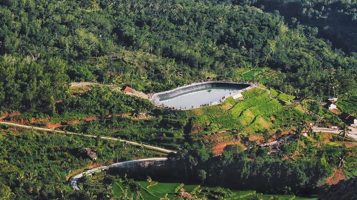 Embung Nglanggeran. . . . . . #nature #landscape #explorejogja #indonesia #passionpassport #indonesiagateway #livefolk #liveauthentic #livefolkindonesia #instagood #instasunda #vsco #vscocam #neverstopexploring #igmasters