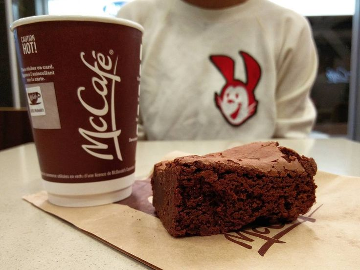 Grab a free small Coffee at @mcdonaldscanada until Nov. 20! @mccafecanada's Chocolate Chunk Brownie goes great with their medium dark roast brew. The #McCafeFreeCoffee event is available at McDonald's restaurants in Atlantic Canada. Fresh custom chainstitched  sweater from @lotstockandbarrel! #teammcds #anewwaytocafe #mcdonalds #mcdonaldscanada #free #coffee #elsby #elsbylife #lotstockandbarrel #chainstitch #chainstitched #mcds #sponsored